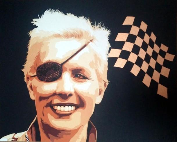 Portrait d'une femme pilote sexy, Maria de Villota avec son oeil bandé. Elle sexy Driver ! découpage collage Carole b