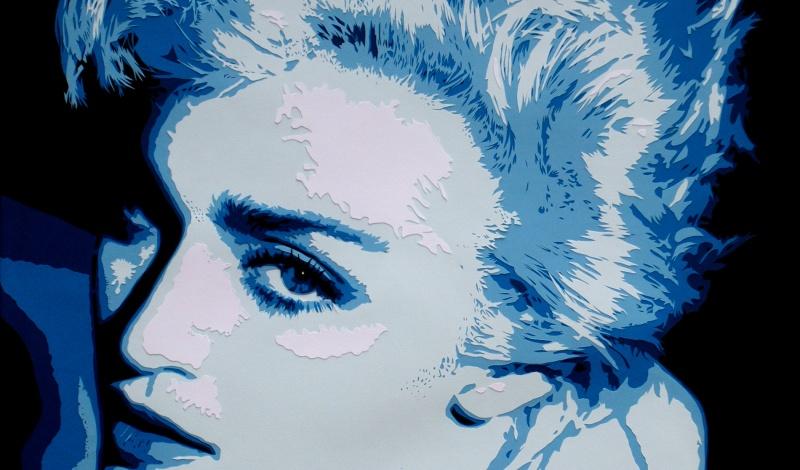 Portrait bleu de Madonna avec un très beau regard par Carole B, en découpage collage papier featured