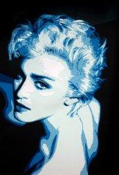Portrait bleu de Madonna avec un très beau regard par Carole B, en découpage collage papier