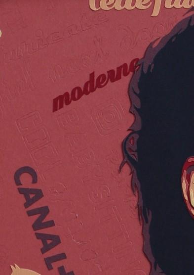 Cette fille, portrait d'Alice David, sur fond de graffitis, thème rouge et or. Découpage collage papier Carole b